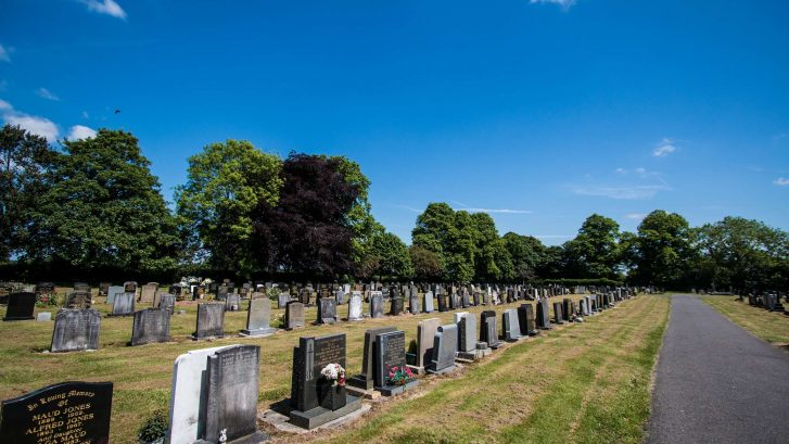 Photograph showing rows of graves in Knutsford Cemetery