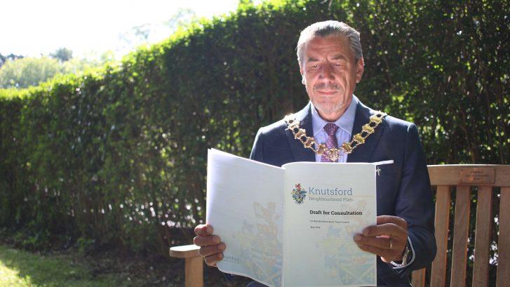 Peter Coan reads the draft Neighbourhood Plan