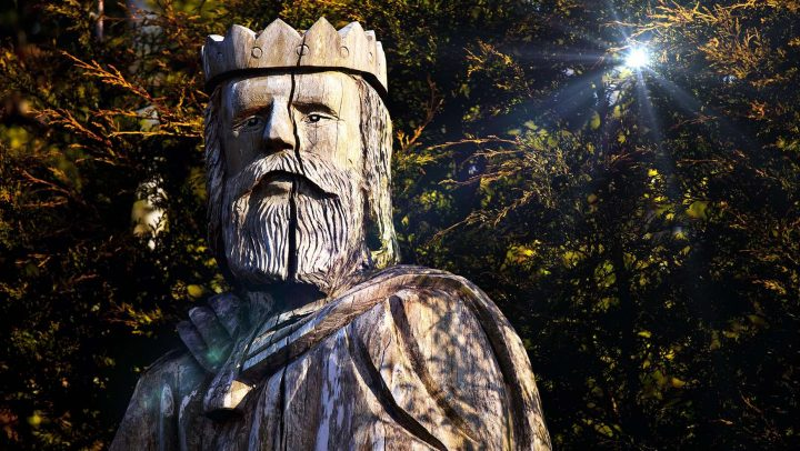 Wooden chainsaw carving of King Canute