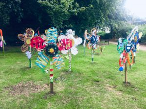 Decorated wooden flowers in Wallwood